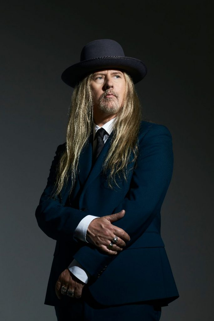 Jerry Cantrell releases a new single 'Atone' from his new solo album Brighten.